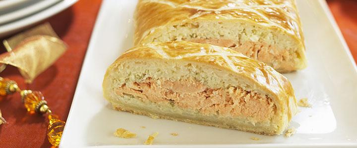 Пирог с сайрой и сыром