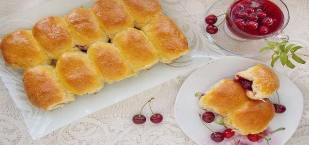 пирожки с замороженной вишней
