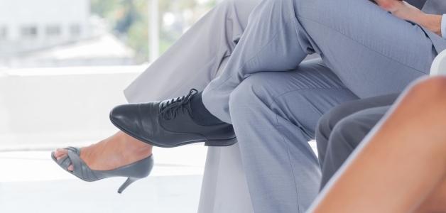 мужчинам нельзя сидеть нога на ногу