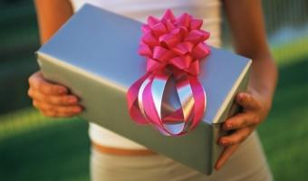 Что подарить на свадьбу – полезные и оригинальные подарки