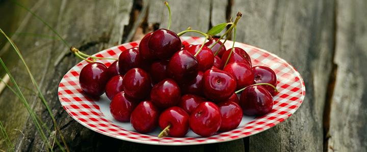 Полезные свойства черешни  первой ягоды лета ее польза и вред для здоровья
