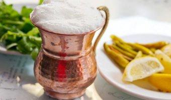 Айран – польза, вред и правила выбора напитка