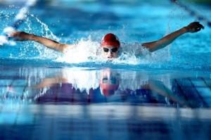Почему полезно плавать?
