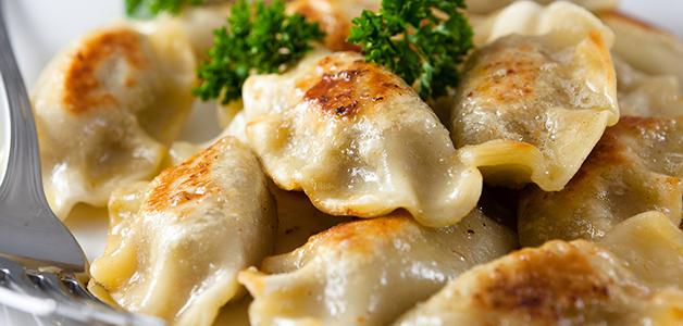 Постные вареники: рецепты с вишней, картошкой и грибами
