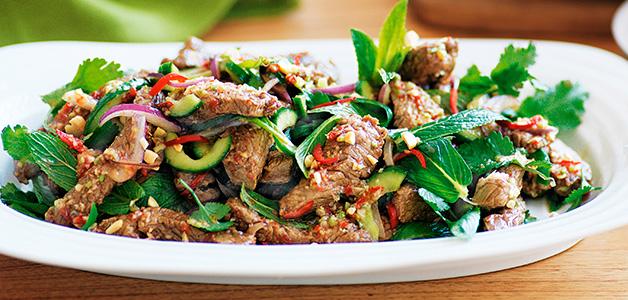 Рецепты полезных салатов из щавеля - вкусные летние блюда