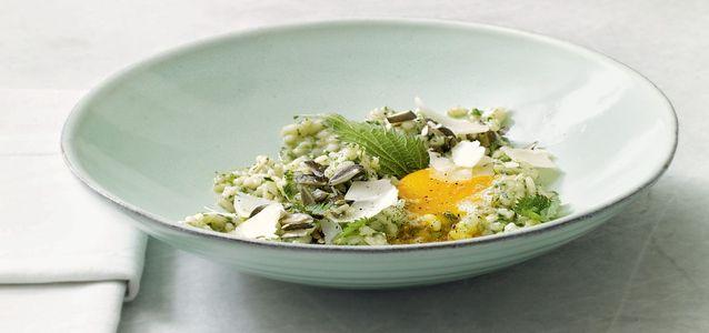 салат из свежей крапивы