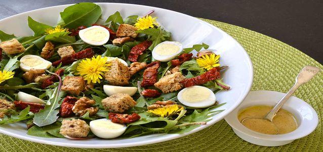 салат из одуванчиков рецепт