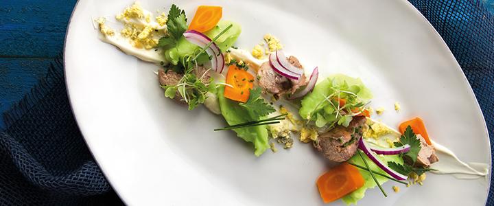 Летний салат из печени трески