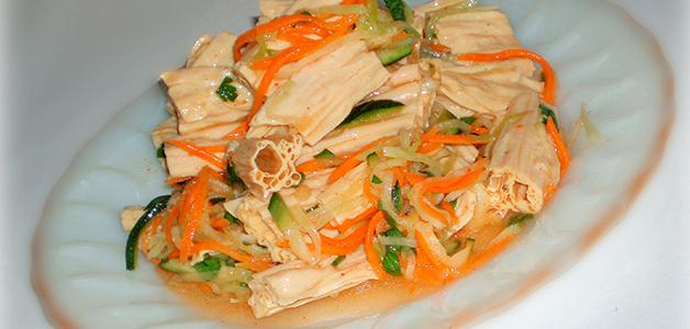 Салат из соевой спаржи