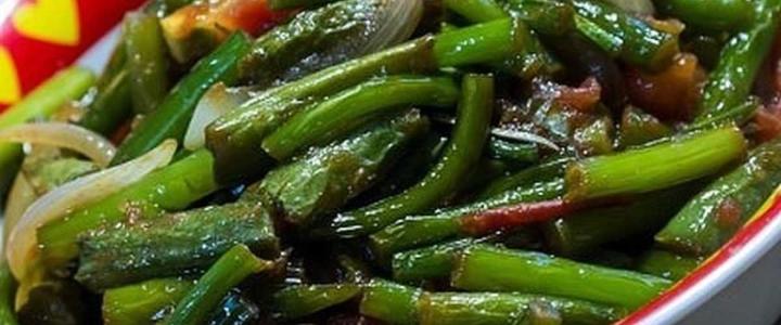 вкусный салат из чесночных стрелок