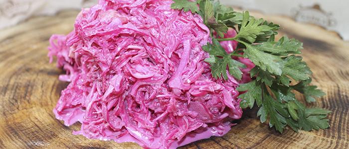 Салат из свежей капусты со свеклой