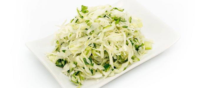 Салат из свежей капусты очень вкусный