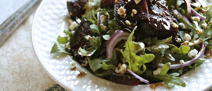 Салат с черносливом – 4 витаминных рецепта