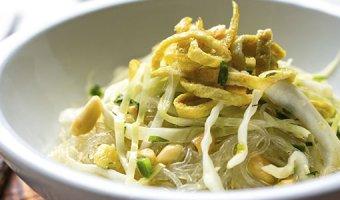 Салат с фунчозой – 4 рецепта по-азиатски