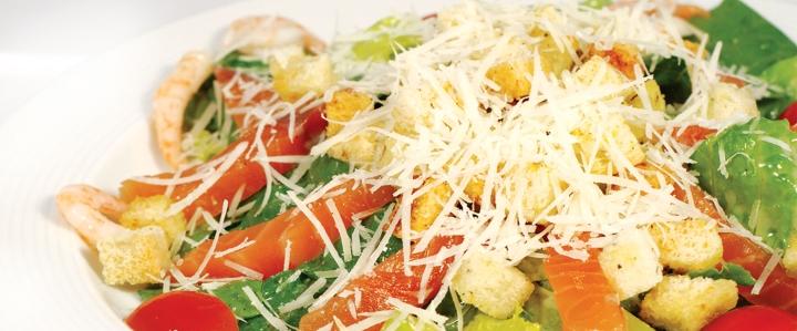 салат с красной рыбой очень вкусный