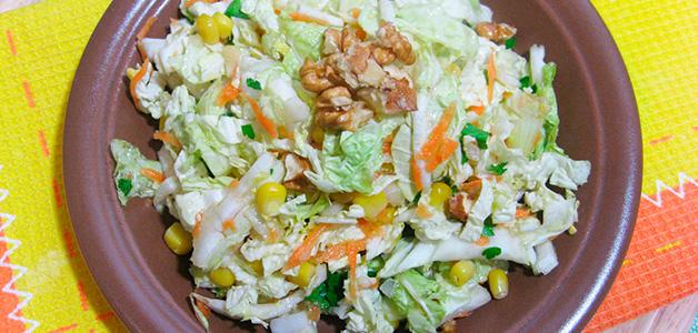 Салат огурцов с кукурузой