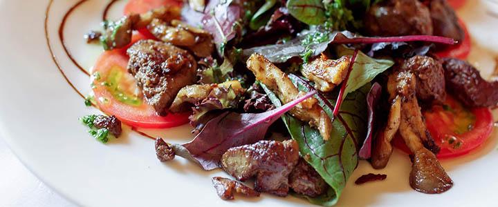Салат с куриной печенью и морковью