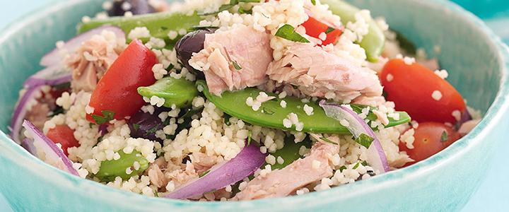 Салат с кускусом и тунцом