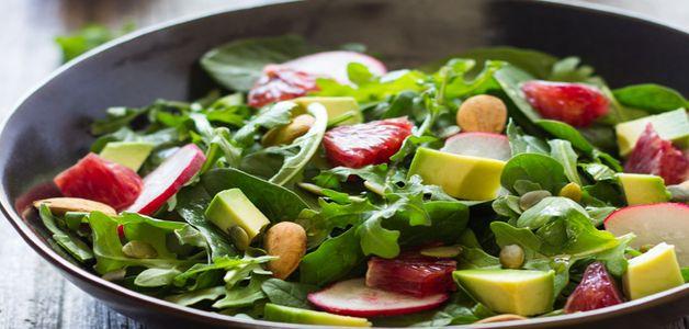 руккола и авокадо салат