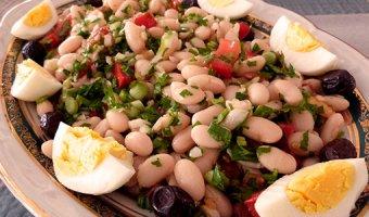 Салаты с белой фасолью – вкусные и простые рецепты
