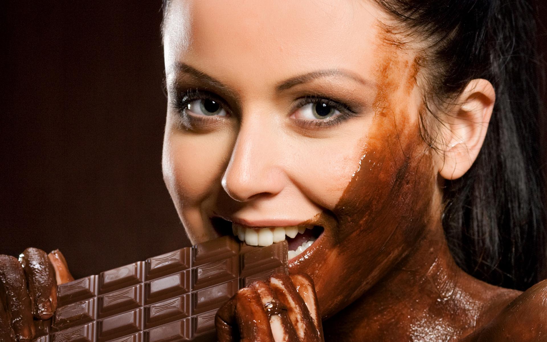 женский шоколадный глаз фото комедию