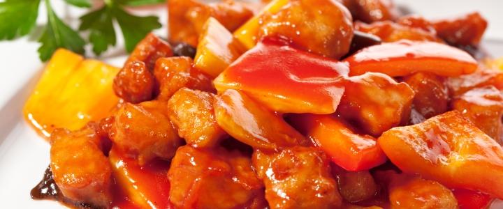 свинина в кисло-сладком соусе с перцем