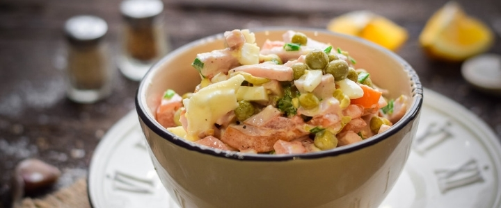 рецепт салата свинья в огороде