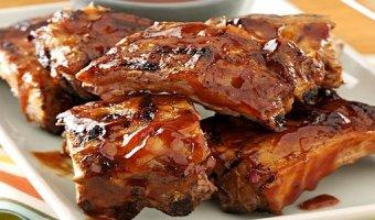 Свиные ребрышки на мангале – сочные рецепты