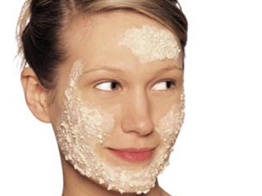 после умывания водой шелушится кожа