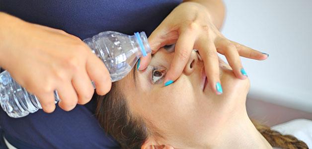 Как оказать первую помощь при ожоге глаза