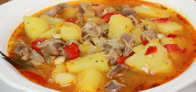 тушеные желудки с картошкой