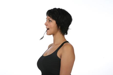 Популярные упражнения от носогубных складок