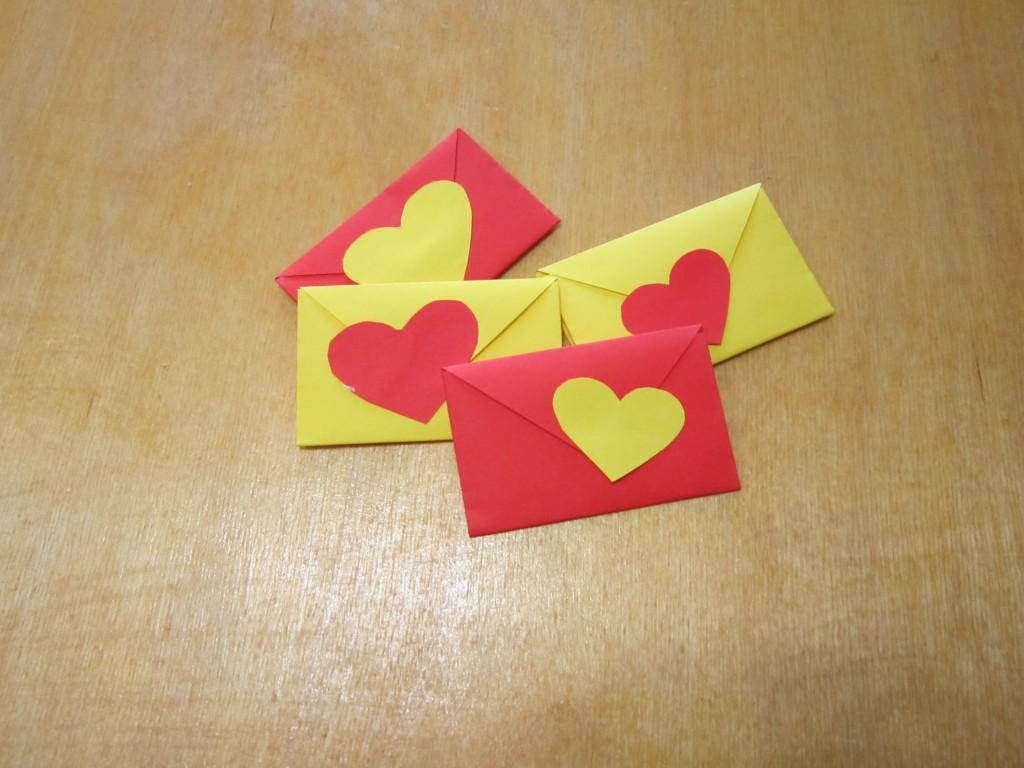 Сделать красивую сердечку из бумаги