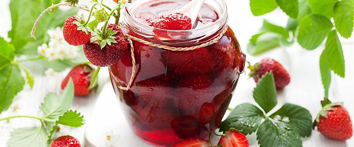 Классическое варенье из клубники с целыми ягодами