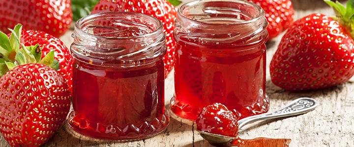 Варенье из клубники с целыми ягодами с барбарисом