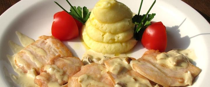 Отварной картофель с куриной грудкой