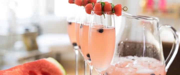 вино из абрикосов и клубники
