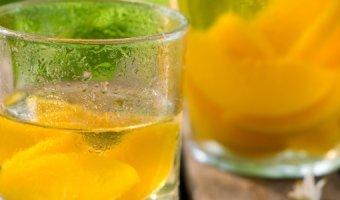 Вино из абрикосов в домашних условиях – 4 простых рецепта