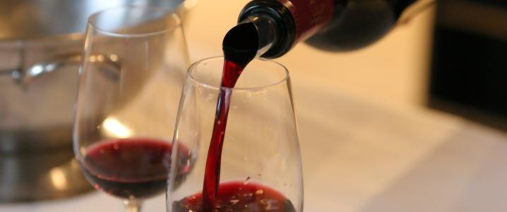 Вино из садовой ежевики
