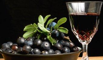 Вино из ирги – 3 ароматных рецепта