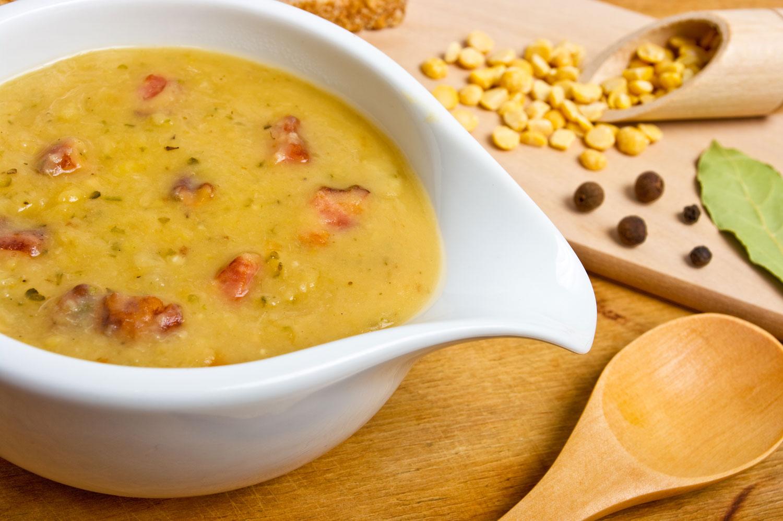 Рецепт горохового крем супа с копченостями