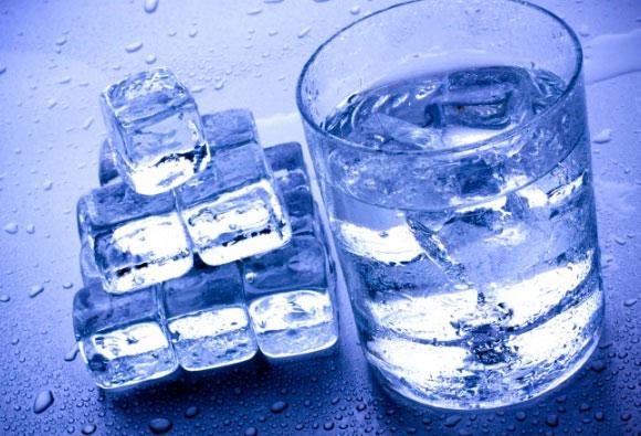 Простая вода - одно из самых необычных веществ в природе