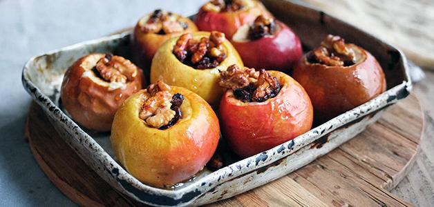 Яблоки в духовке – 5 рецептов полезного десерта
