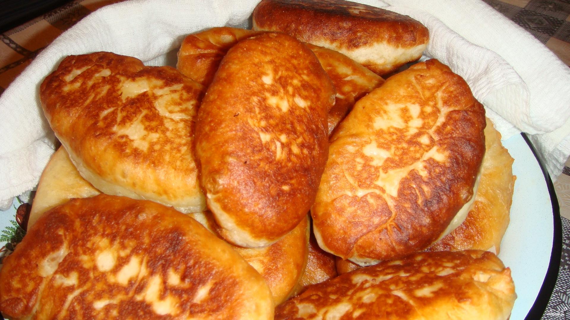 Пышное тесто для пирожков жареных на сковороде рецепт пошаговый